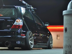 Slammed Black Honda Civic Hatch – Beautiful!