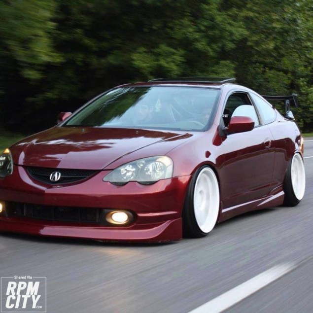 Driving A Clean Dc5 On Freway.. Hellaflush-ed.. Comment